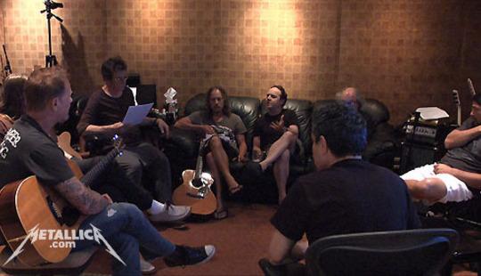 From http://www.metallica.com/images/Metallica<em>LouReed</em>crm1.jpg