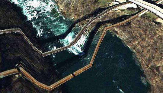 From http://www.lifeartworks.com/wp-content/uploads/2011/04/Google-Earth-Bridges-11.jpg